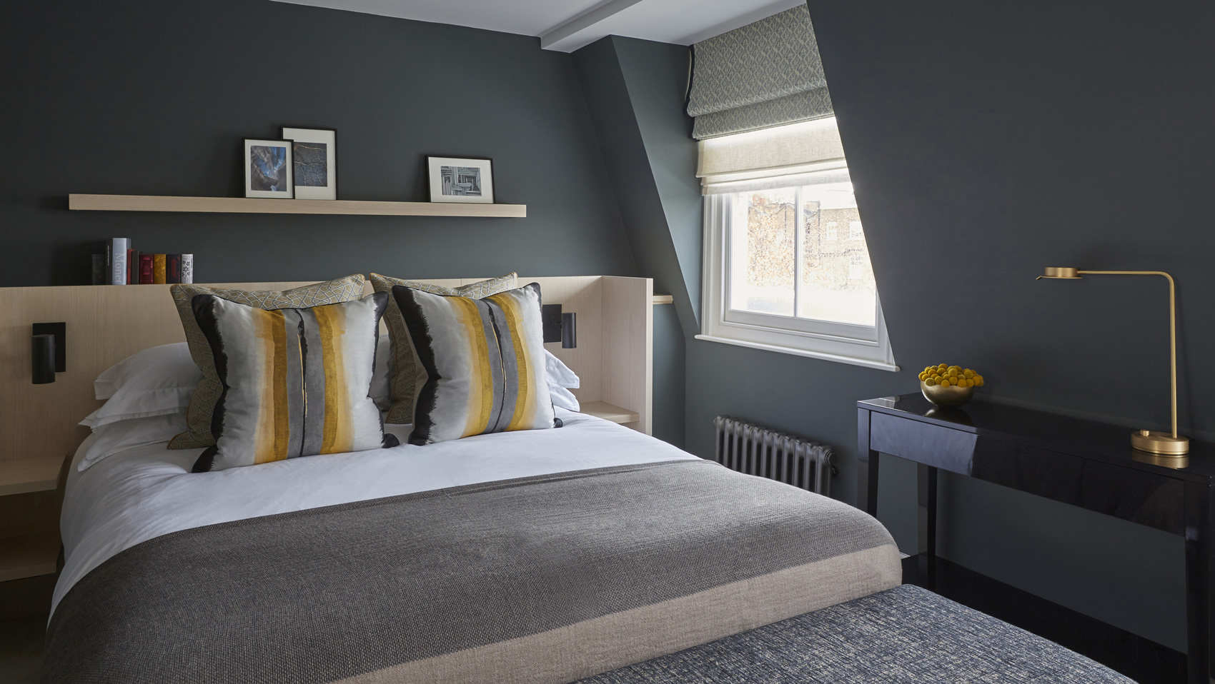 dark grey bedroom - Dark Grey Bedroom