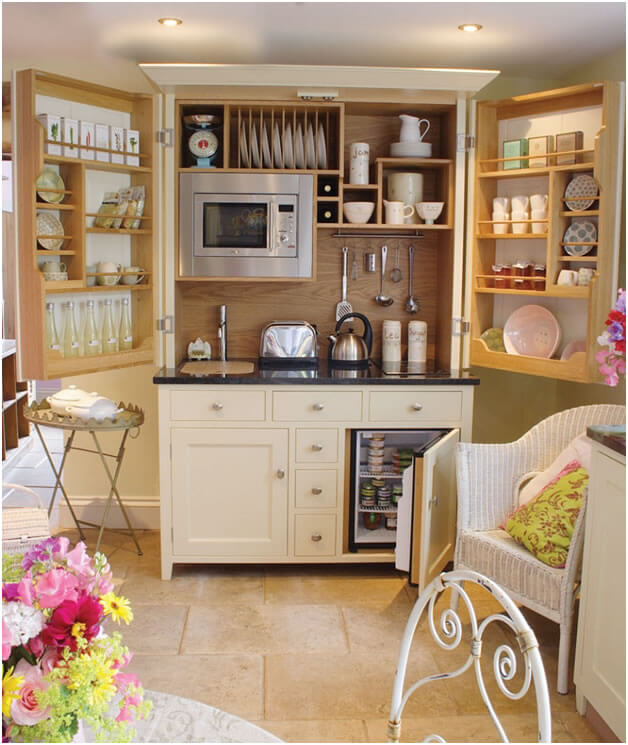 fully-equipped-kitchenette
