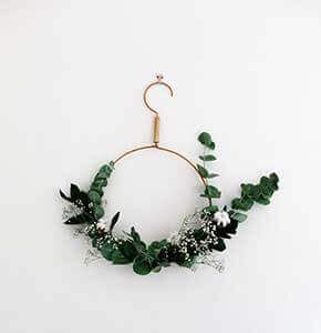 Minimalist Wreath Wall Art