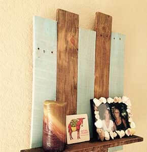 Rustic Pallet Wall Shelf